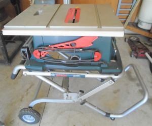 Bosch Table Saw (Portable) TS3000 on Cart