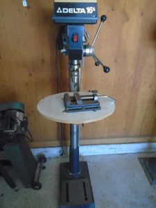 Delta 16 1/2 Drill Press with Machine Vise